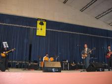 Actuación del grupo The Four Beat