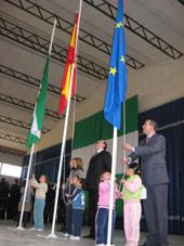 Izado de banderas en Estepa con motivo del Día de Andalucía