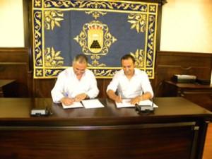firma convenio sustitución alumbrado público Pedrera