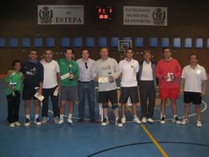 Participantes en el torneo local de pádel.