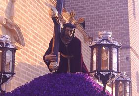 Jesús Caído de Osuna a la salida de la Colegiata.