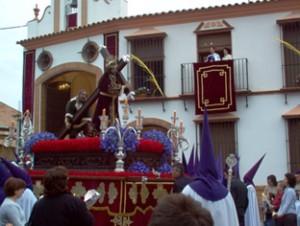 Imagen de Jesús Nazareno de Casariche procesionando por la localidad