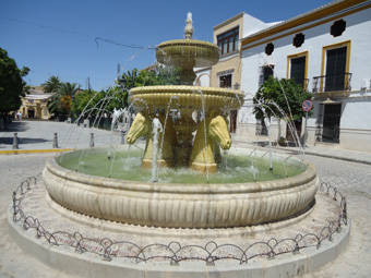 La fuente de la Plaza de Andalucía, de nuevo en funcionamiento