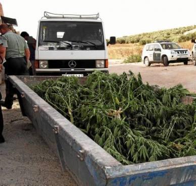 La Guardia Civil necesitó una cuba para transportar la droga