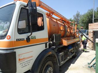 Trabajos de limpieza para el bombeo de aguas residuales