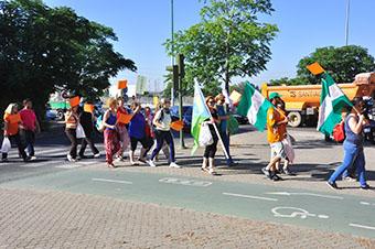Técnicos de Pruna en la manifestación de la marea naranja