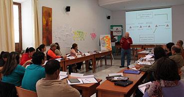 Imagen del curso de emprendimiento colectivo. Foto: Escuela Economía Social