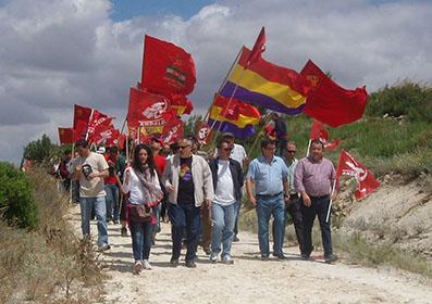 Los ocupantes de la finca, ayer en Badolatosa