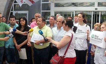Fidel Romero, en un momento de la rueda de prensa ofrecida ayer en el Hospital de Osuna