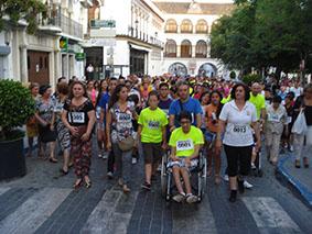 Centenares de vecinos de Osuna participaron en la marcha por Manuel