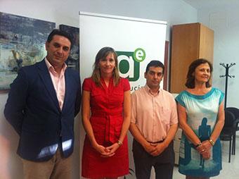 Representantes públicos presentes en la inauguración del CADE de Casariche
