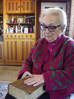 La esposa del nieto de Aguilar y Cano, ya fallecido, Dolores López Valero