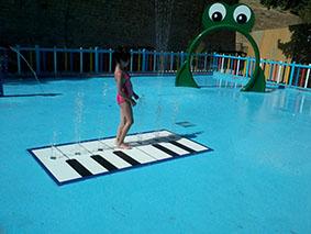 Imagen de la zona infantil de la piscina de Estepa