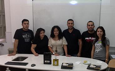 José Carlos Sánchez, en el centro, con los alumnos de hostelería de Sevilla