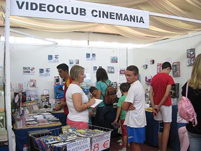 Uno de los stands instalados en la quinta Feria Outlet de Estepa