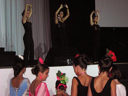 Actuación del cuadro flamenco de la academia pontanesa