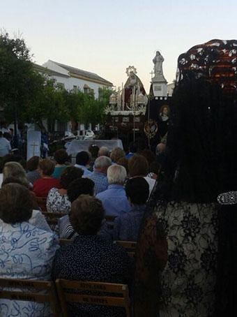 Imagen de la misa previa a la salida de la Virgen de los Dolores por las calles loreñas. Fotos: José Joaquín Carmona.