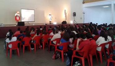 Jóvenes de La Roda asistieron al programa Un Spot para decir Stop