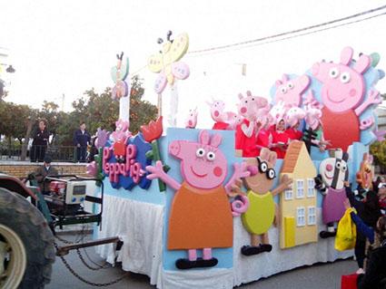 Peppa Pig y sus amigos también desfilaron por las calles herrereñas