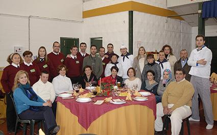 Alumnos, profesores y equipo directivo del taller de empleo de Estepa