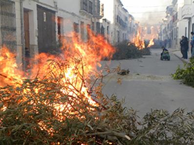 Candelas en las calles de Pedrera