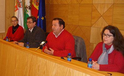 Centella, acompañado de Romero y dos concejalas rodenses