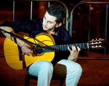 Juan Antonio Marín, en una de sus actuaciones. Foto: Facebook del autor.