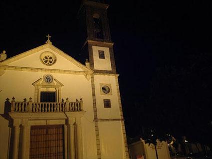El reloj de la iglesia gilenense, con su esfera desprendida a causa del fuerte viento. Foto: @telegilena