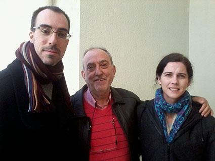 Prudencio Herrera, en el centro de la foto, flanqueado por Macarena Marín y Enrique Moreno