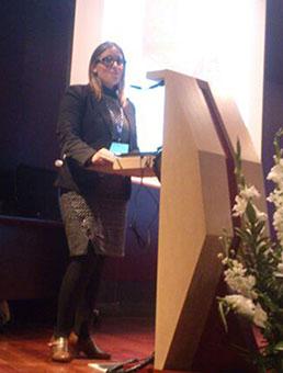Inmaculada Silva, en un momento de la lectura de su ponencia