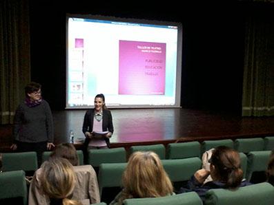 Imagen de la presentación del taller, con Inma Llamas y Ángela Tejada