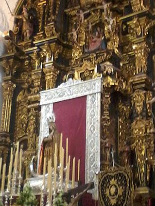 Altar de los cultos en honor de la Virgen de los Dolores de Osuna, hoy. Foto: R. Camero.