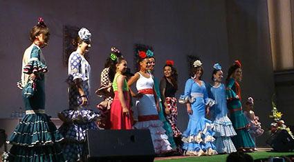 Desfile de moda flamenca celebrado en el Primer Encuentro Cultural y Artesanal de la Mujer