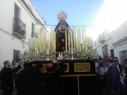 la Virgen de la Encarnación, por las calles de su barrio de Fátima. Fotos: familia Angulo Camero.