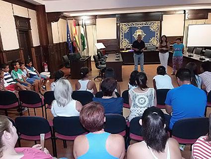 Recepción oficial del Ayuntamiento de Pedrera a los niños saharauis