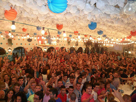 La feria de Casariche, llena de gente. Foto: Chari del Pozo.