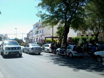 Patrullas de la Benemérita siguieron circulando por el municipio mientras los vecinos estaban concentrados