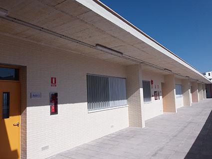 El nuevo aulario de Pedrera, a punto de finalizarse