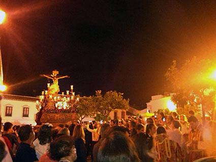 Inicio de la procesión, en la Plaza del Duque