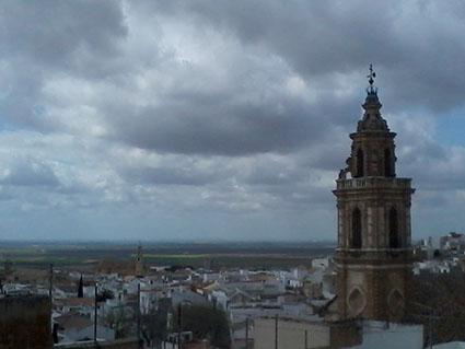 El hundimiento de la bóveda de La Merced (cuya torre se ve en esta imagen) fue el detonante para crear el Patronato de Arte de Osuna. Foto: R. Camero.