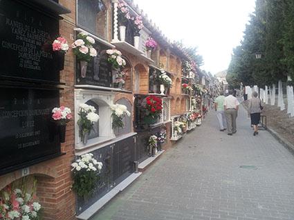 Imagen del cementerio municipal de Osuna, ayer.