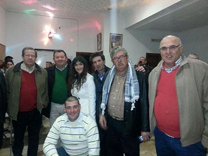 Fidel Romero, acompañado de otros líderes de IU en la provincia de Sevilla.