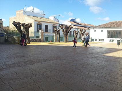 Patio del CEIP Santa Teresa tras la remodelación. Fotos: R. Camero.