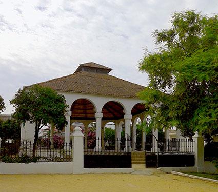 CASETA POPULAR EN PARQUE SAN  ARCADIO